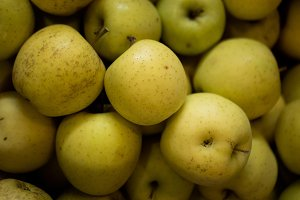 Green/yellow apples