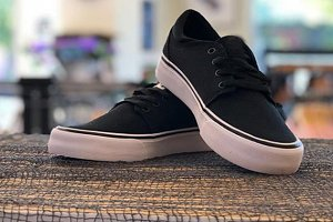Skater shoes for skating skateboard