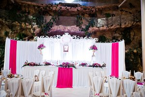 Amazing wedding table in pink style