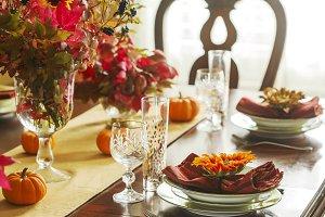 Thanksgiving table setting. Autumn t