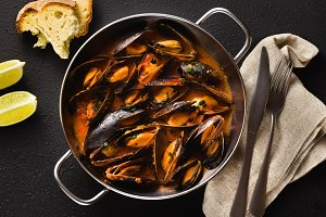 banner of freshly cooked mussels in