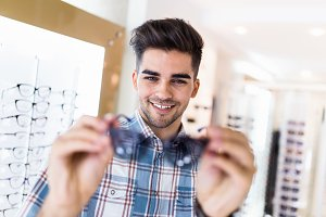 Optical store people