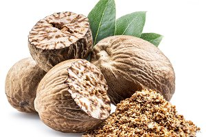 Dried seeds of fragrant nutmeg and g