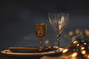 golden easter eggs and glasses with