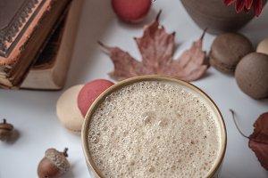 Pumpkin Spice Latte w/macaroons