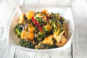 Tofu and broccoli stir-fry
