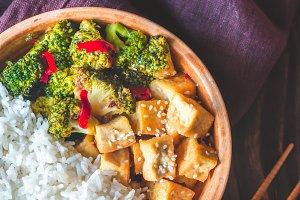 Tofu and broccoli stir-fry