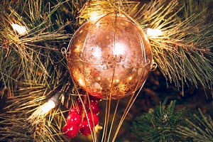 Air balloon on the Christmas tree