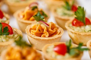 Tartlets with spiced cheese