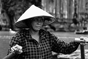Woman with a bamoboo hat, Vietnam