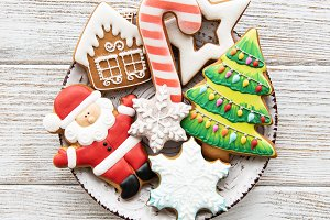 Plate with Christmas cookies