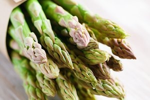 Fresh uncooked asparagus