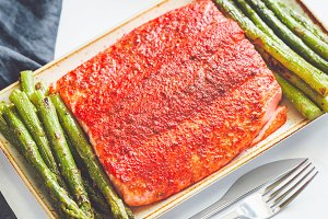 Roasted salmon fillets with spices