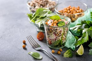 Quinoa salad with chickpeas