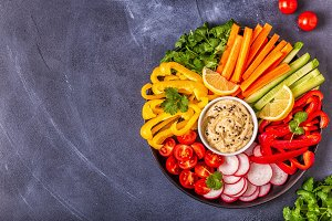 hummus with fresh vegetable