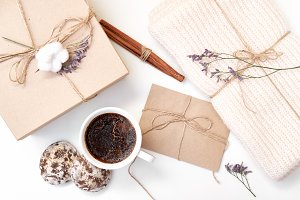 envelope, gift box, knitted scarf