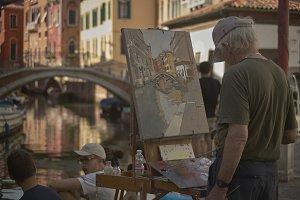 Paint a glimpse of Venice