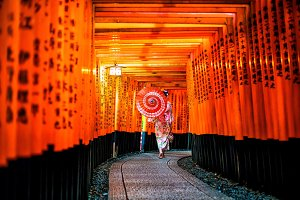 Japanese girl in Yukata with red umb