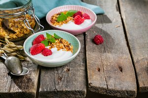 Summer breakfast - granola with
