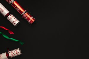 Christmas crackers with ribbons