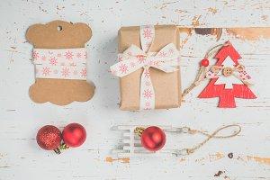 Decorating christmas presents