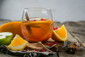 Mulled wine with oranges