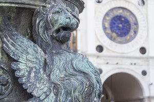 sculpture of a lion in Venice