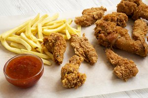Delicious fast food: fried chicken