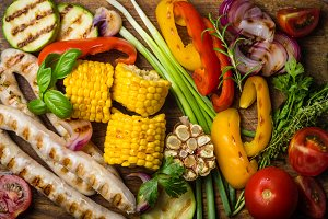 Barbeque sausages with vegetables