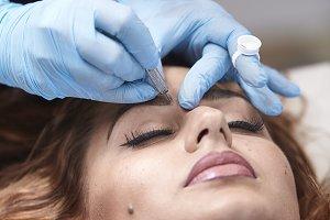 microblading close up, eyebrow addin