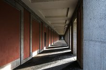 Pillar with lights and shadows