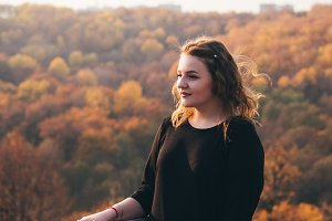 sensual portrait of a girl at sunset