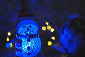 Blue luminous Christmas snowman toy
