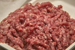 Minced bovine crane for food product