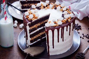 Chocolate Cake Snickers