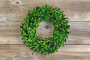 Wreath made with green boxwood leafs