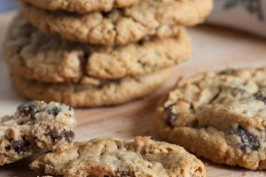 Fresh Oatmeal Raisin Cookies