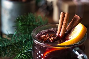 Mulled wine with festive decorations