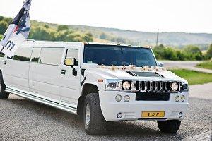 Elegance white wedding limousine Hum