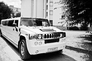 Elegance white wedding limousine Hu