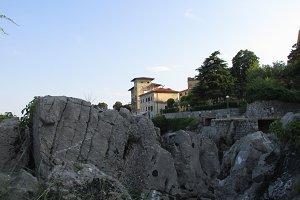 Hotel on the rocks