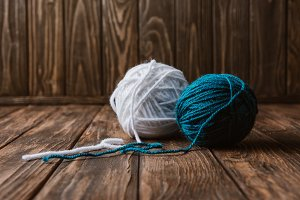 close up view of white and blue yarn