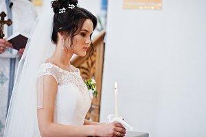 Close up photo of a beautiful bride