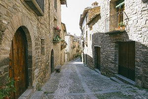 Streets with rustic houses built wit