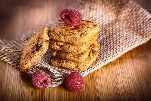 Oatmeal cookies with raspbarry and