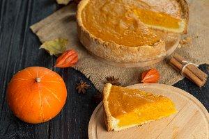 Traditional pumpkin pie for thanksgi
