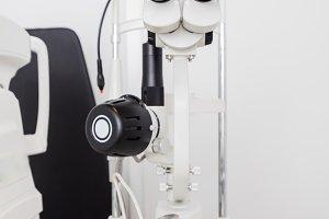 Optician's machine for eye examinati