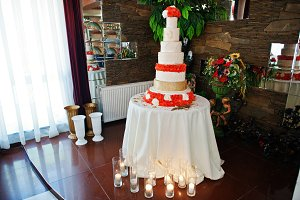 Stunning and very delicious wedding