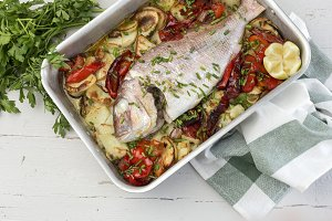 Roasted fish with potatoes