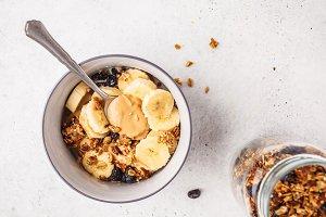 Baked granola with raisins, banana